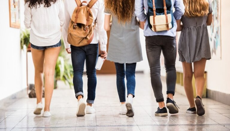 Līdz septembra beigām skolēniem iespēja piedalīties konkursā, skaidrojot STEM tēmas