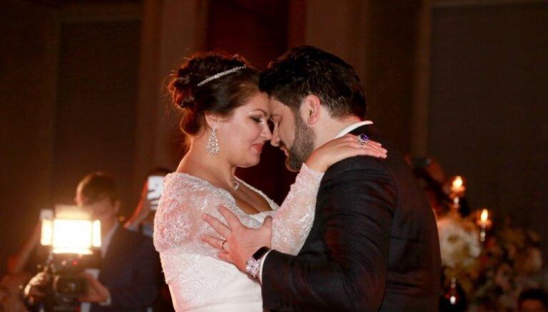 ФОТО: Анна Нетребко вышла замуж в столице Австрии