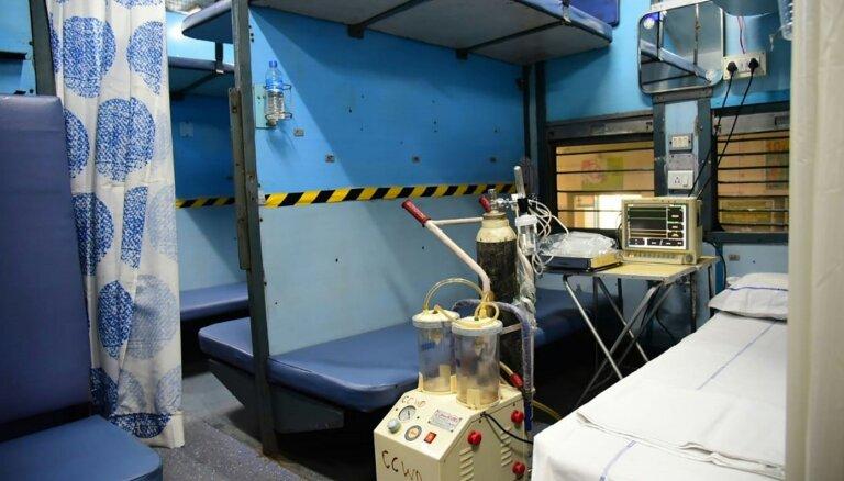 Covid-19: Indijā 20 000 vilcienu vagonu pielāgo slimnieku aprūpei