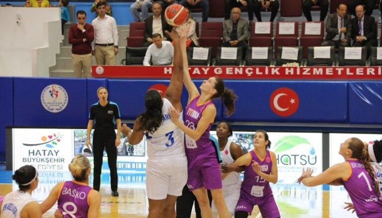 'TTT Rīga' Turcijā pret spēcīgo 'Hatay' komandu izcīna pirmo uzvaru FIBA Eirolīgā