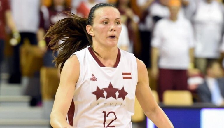 Latvijas basketbolistes pārbaudes mačā cienījami piekāpjas spēcīgajai Austrālijai