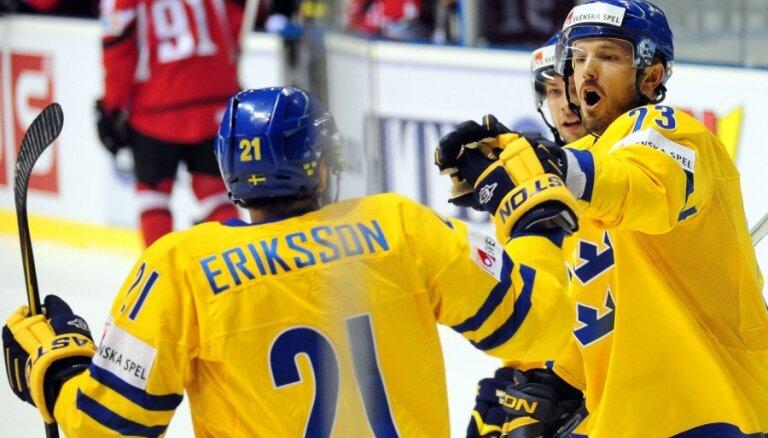 Treneris: Zviedrijas hokeja izlases panākumu pamatā - jaunie spēlētāji