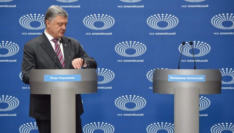 Zelenskis un Porošenko beidzot vienojas par debašu datumu