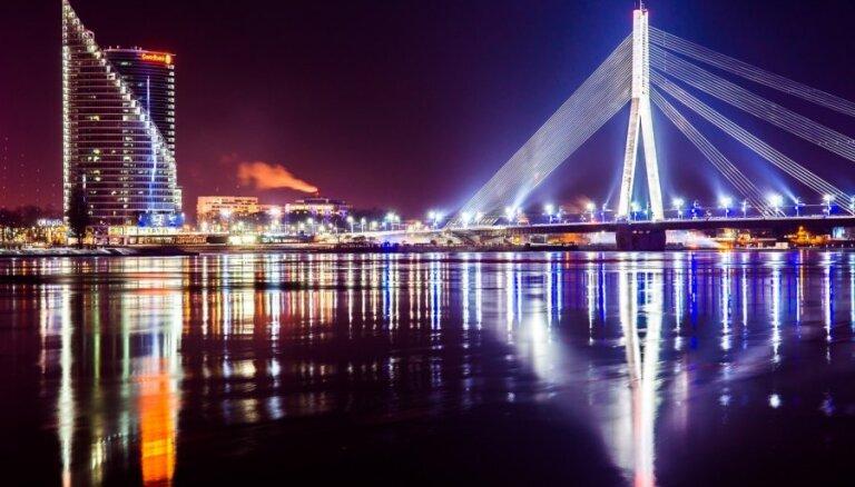 Daži Rīgas deputāti peļ Eiropas kultūras galvaspilsētas atklāšanu par nacionālā kolorīta trūkumu