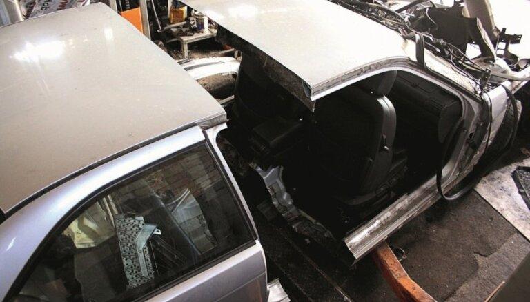 Žurnāls 'TopGear' eksperimentā pārbauda lietoto auto drošību