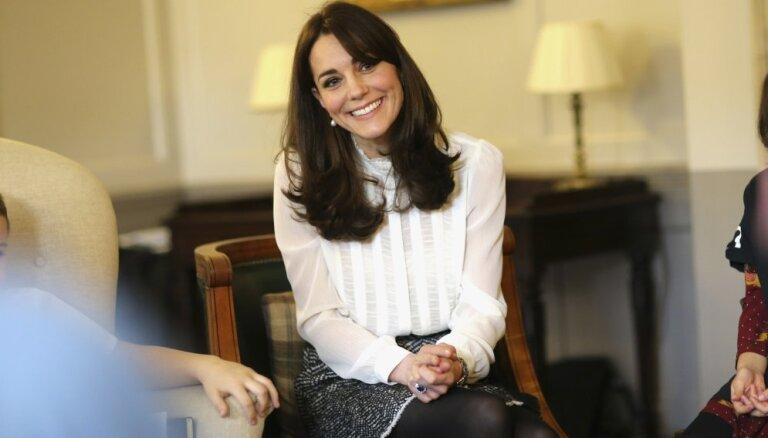 Кейт Миддлтон приучила Меган Маркл к дешевой одежде