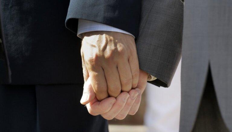 Skotijas baznīcā notiks Lielbritānijā pirmās anglikāņu viendzimuma laulības