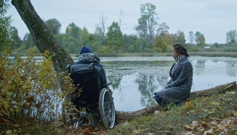Žanra pionieris. Staņislava Tokalova filmas 'Tas, ko viņi neredz' apskats