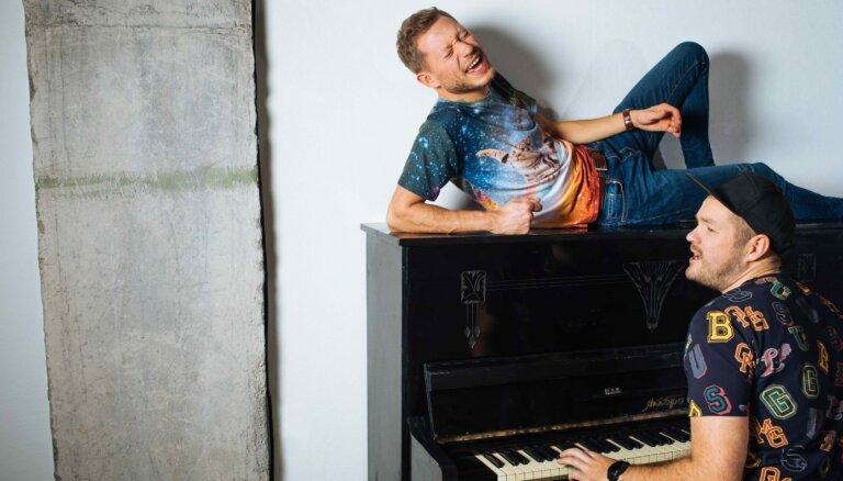 Noklausies! Ralfs Eilands radījis jaunu dziesmu kopā ar Kasparu Breidaku
