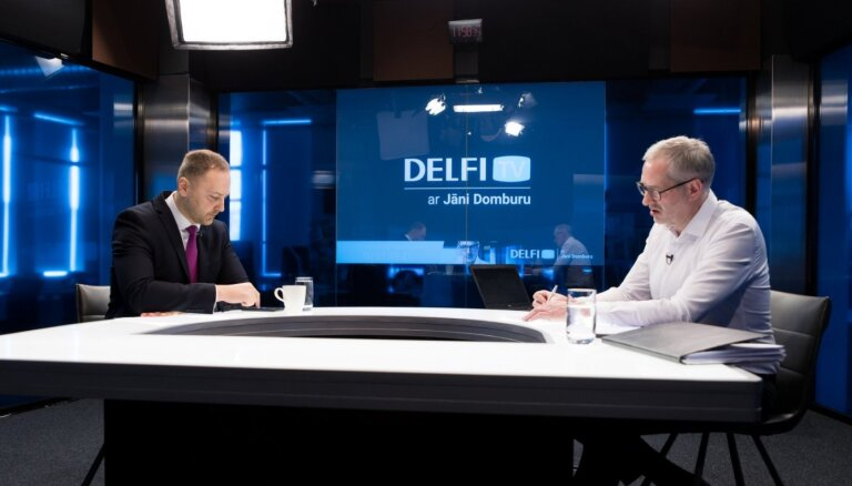 'Delfi TV ar Jāni Domburu' atbild iekšlietu ministrs Sandis Ģirģens. Pilns ieraksts