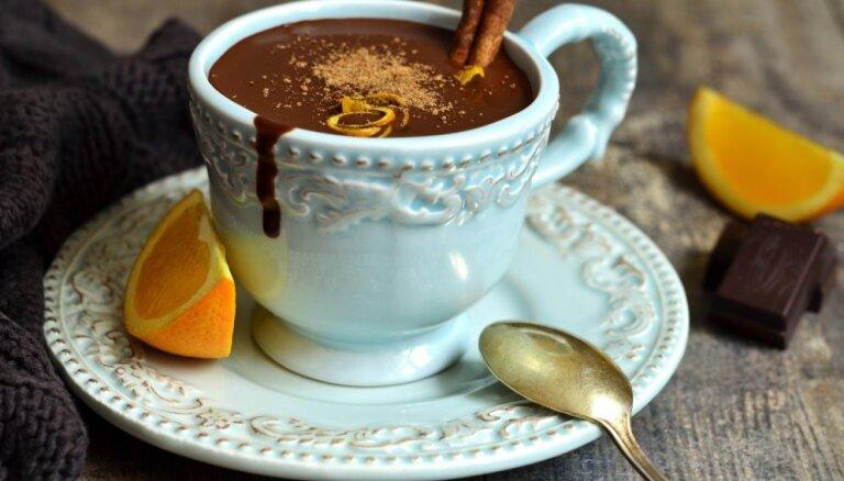 Rūgti saldas un ļoti šokolādīgas receptes, ko izbaudīt un iemīlēt tūlīt pat