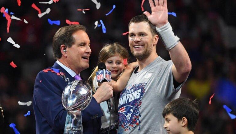 'Patriots' sestais 'Super Bowl' tituls, Breidijs pārraksta vēsturi