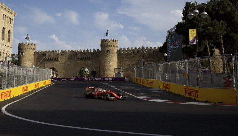 """На первом в истории этапе Гран-при """"Формулы-1"""" в Баку доминировали немцы"""