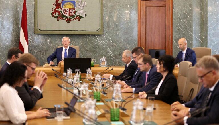 Valdība Rīgā izsludina ārkārtējo situāciju; dome sāks sarunu procedūru (plkst. 20:30)