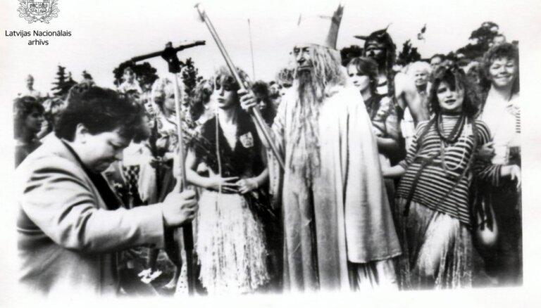 Ceļojums laikā: Neptūna sagaidīšana un Zvejnieku svētki vecās fotogrāfijās