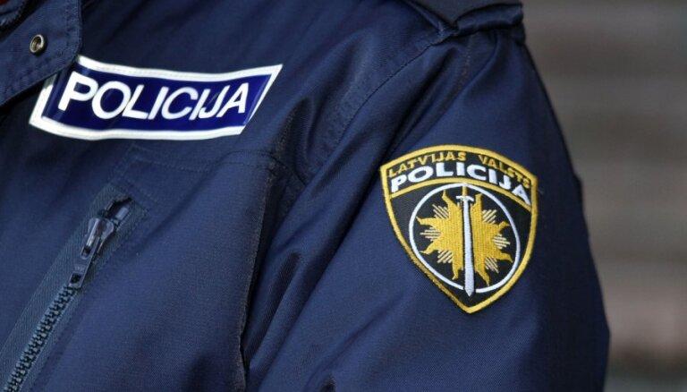 Valsts policija meklē aculieciniekus traģiskam ceļu satiksmes negadījumam Ādažos