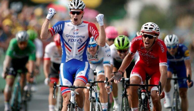 Pirmo reizi pēc 40 gadu pārtraukuma 'Tour de France' posmā dubultuzvara francūžiem