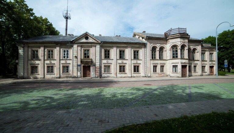 VNĪ konkursā meklē Ventspils Gūtšmitu nama pārbūvētāju