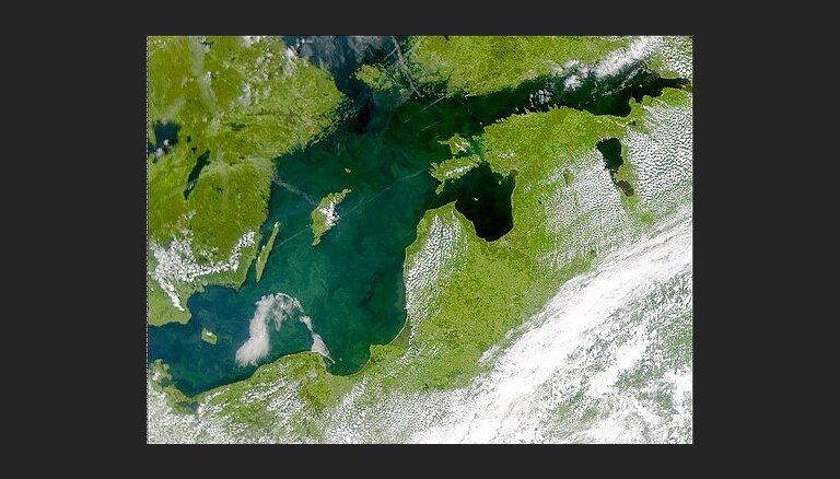 Pētījums: Rīgas jūras līcī ik gadu ieplūst 67 000 tonnas slāpekļa