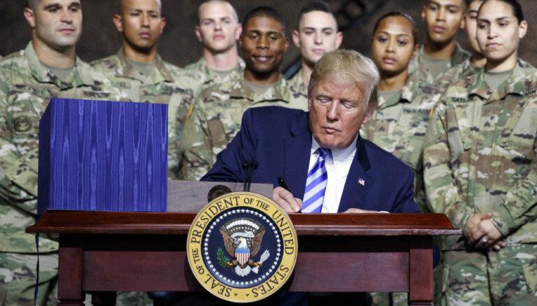 Трамп заявил о готовности США нанести удар по 52 иранским объектам