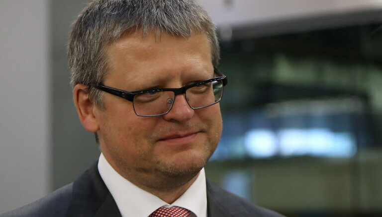 'Ātrās palīdzības' auto sāga: Belēvičs aptur vērienīgo jauno auto iepirkumu