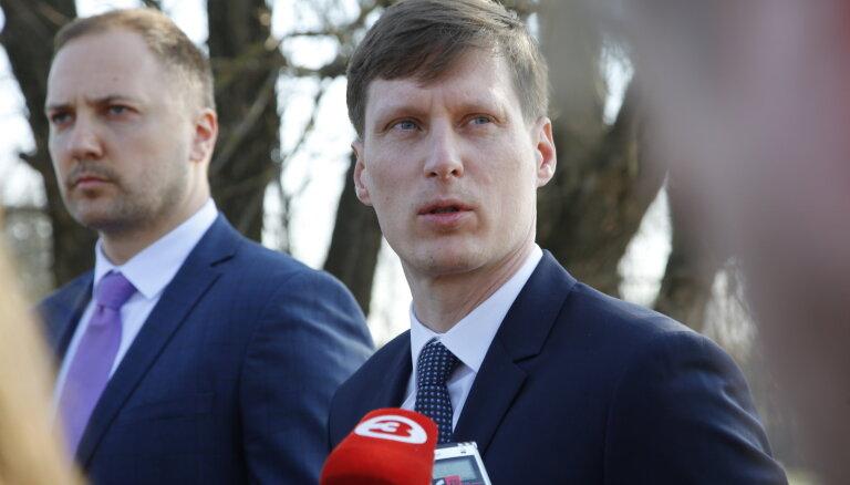 Немиро и Гиргенс получили доступ к гостайне, Пуце и Петравичу ещё проверяют