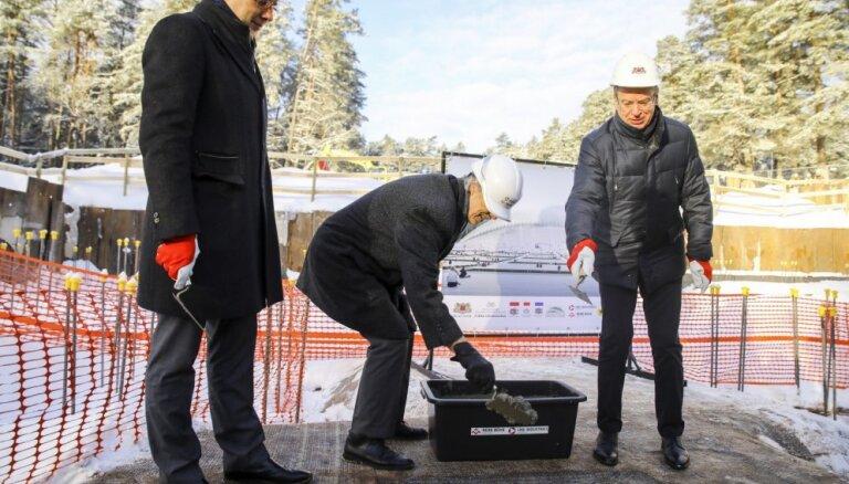 Pašvaldību ministram un ģenerālprokuroram turpina sūdzēties par Ušakova darbu
