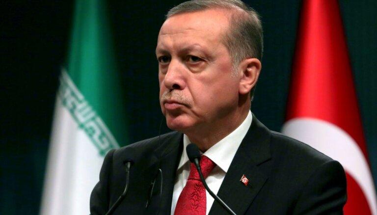 Erdogans kritizē ASV amatpersonu teikto par tīrīšanām valstī