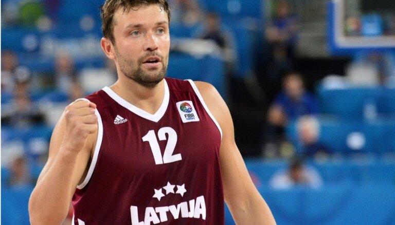 Kristaps Janičenoks pēc sezonas noslēgs basketbolista karjeru