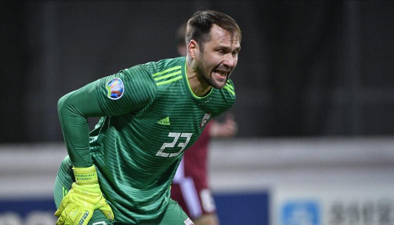 Latvijas futbola izlasē pagaidām nav skaidrības par Šteinbora dalību otrdienas mačā