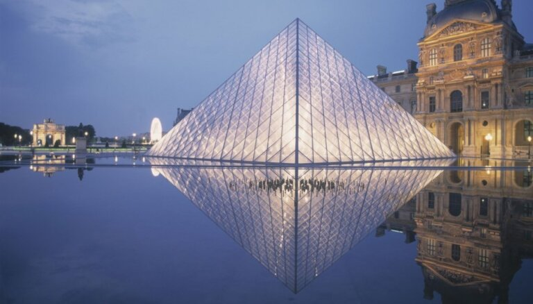 Izlase mākslas gardēžiem. 10 pasaulslaveni muzeji un izstādes, ko baudīt mājas režīmā