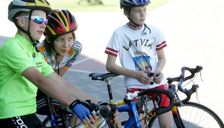 Федерация велоспорта: ограничивать тренировки на Сигулдском шоссе - неправильно