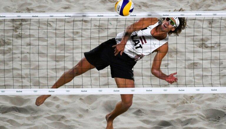 Latvijas volejbolisti četrzvaigžņu PK turnīrā Portugālē nodrošina vietu izslēgšanas spēlēs