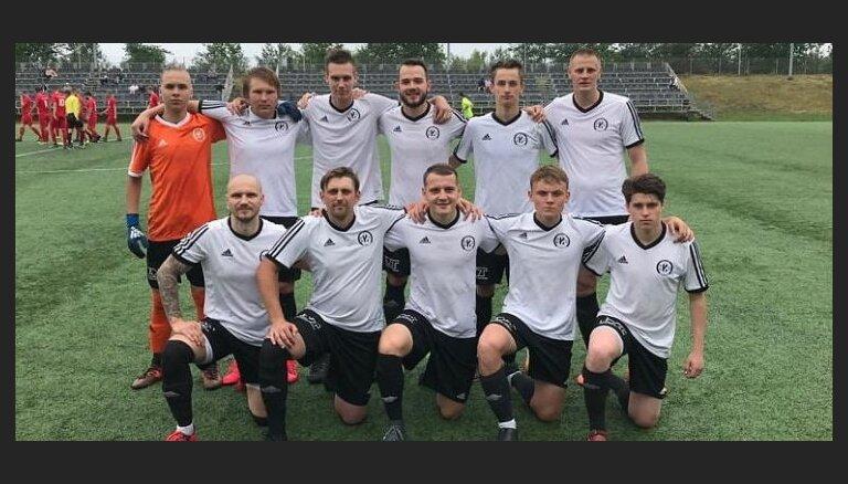 Pēdējā Latvijas kausa astotdaļfināla spēlē uzvaru gūst 'Karosta' futbolisti
