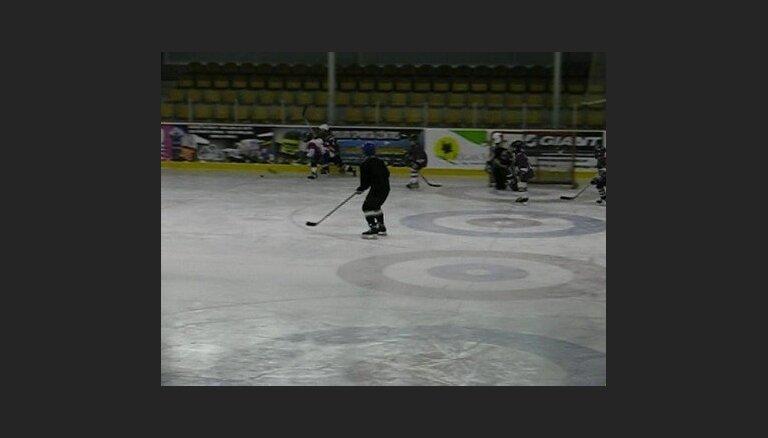 Юнные хокеисты.