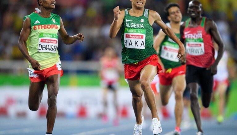 ВИДЕО: Четверо паралимпийцев пробежали 1500 метров быстрее олимпийского чемпиона