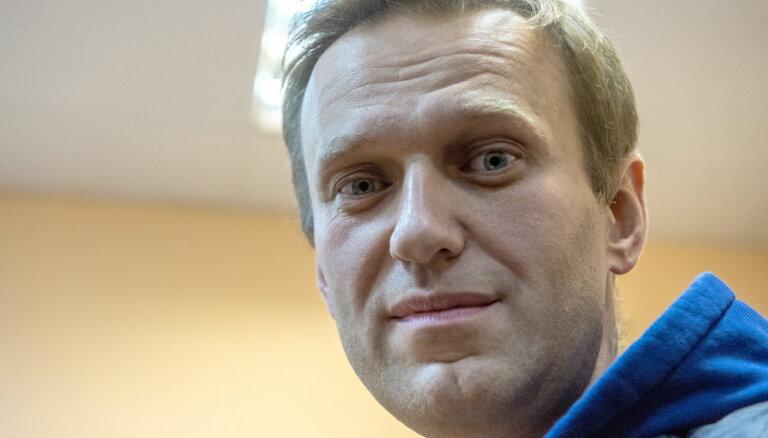 Соратника Навального увезли на Новую Землю. Что с ним произошло?