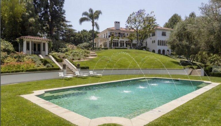 ФОТО: Анджелина Джоли купила роскошный дом в Лос-Анджелесе