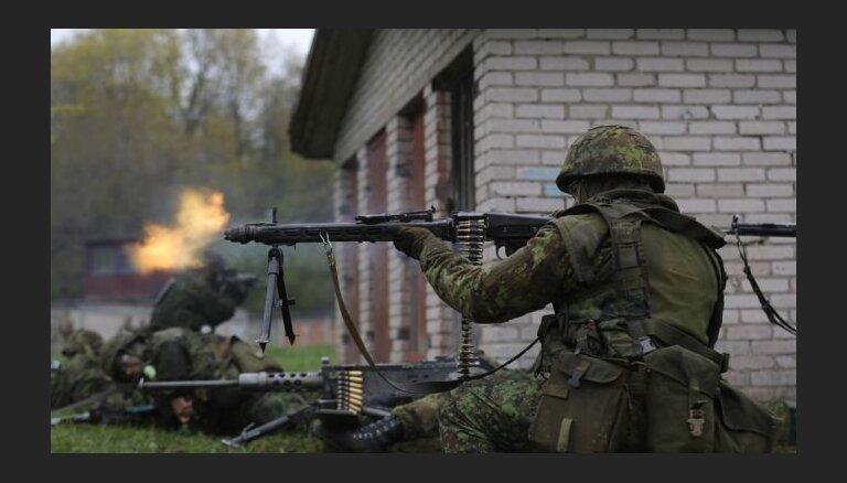 ФОТО: военные НАТО в Эстонии отрабатывают тактику ведения городского боя