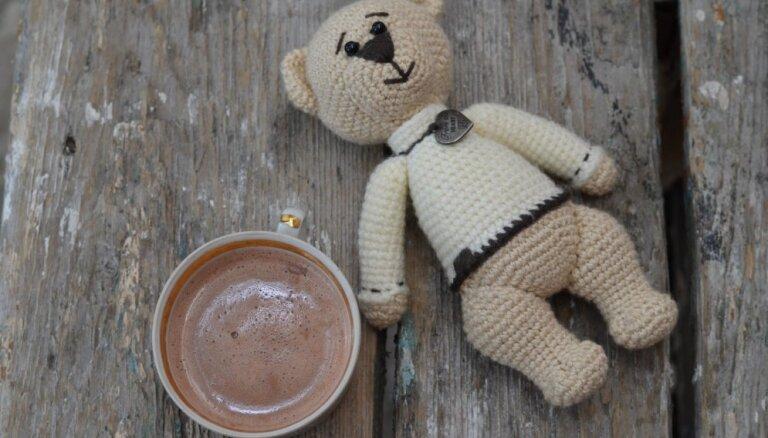 Vecāki sašutuši – bērnudārzā mazuļiem dod kafiju. Pediatre neiesaka pat kakao