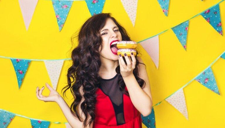 Ieteikumi, kas palīdzēs samazināt ikdienā apēsto saldumu daudzumu