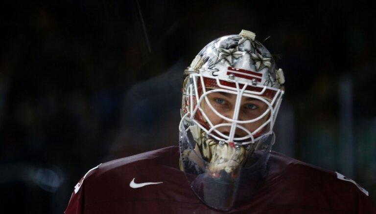Merzļikins piedzīvo zaudējumu Šveices augstākās hokeja līgas mačā