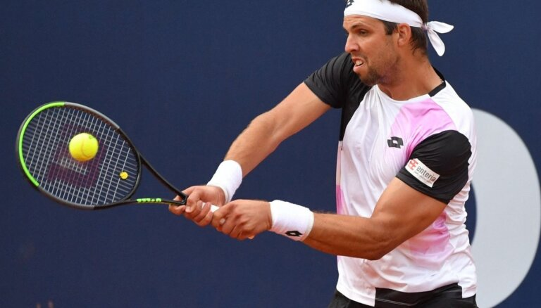 Gulbis Austrijā Kicbīeles 'ATP 250' pamatturnīra pirmajā spēlē piekāpjas Veselijam