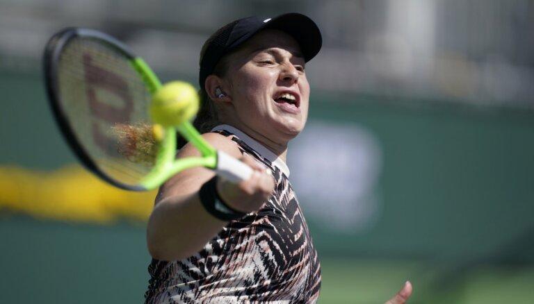 Ostapenko iekļūst Indianvelsas turnīra pusfinālā