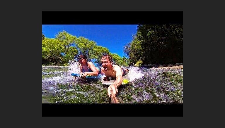 ВИДЕО: Типичное новозеландское развлечение — катание на досках по речным сливам