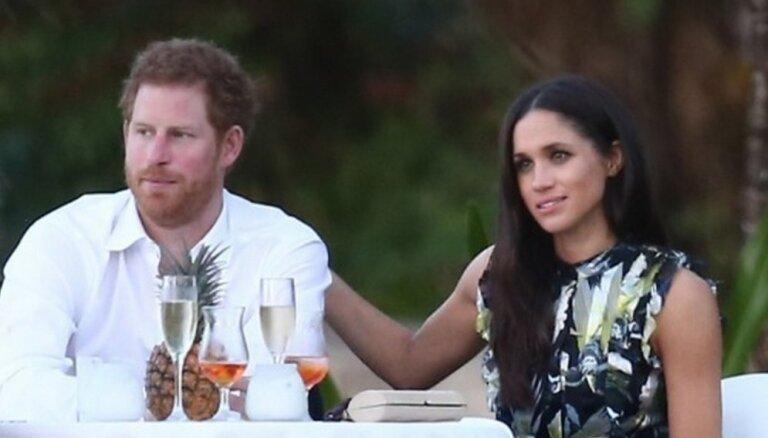 Принц Гарри познакомил свою подругу с бабушкой