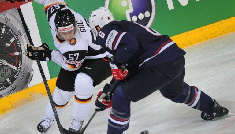 Latvijas pāridarītāju duelī ASV hokejisti 'sausā' atstāj Vāciju