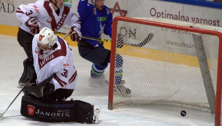 Хоккеисты сборной Латвии упустили в Бледе победу на последней секунде