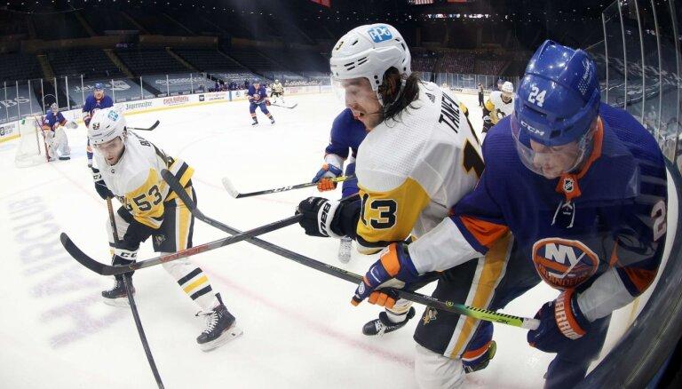Bļugers un 'Penguins' negūst vārtus pret 'Islanders'