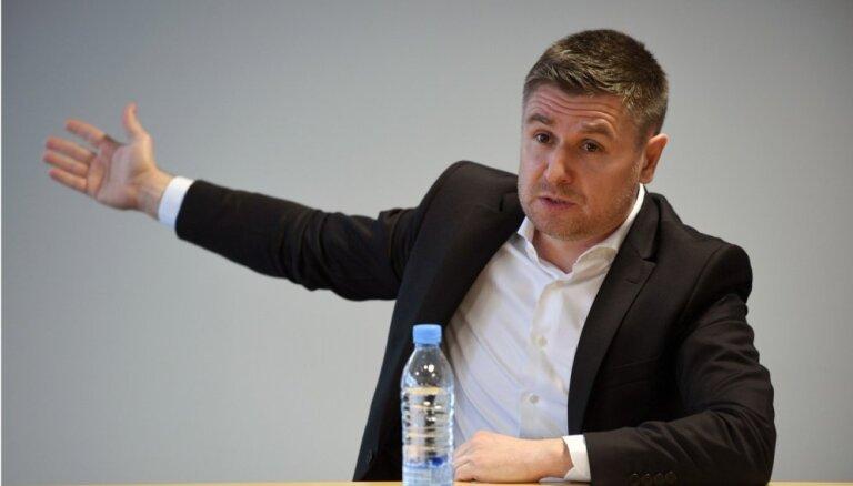 Pahars atkāpjas no FK 'Jelgava' galvenā trenera amata; viņu nomaina Kubarevs